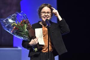Emma Adbåge har varit nominerad till Augustpriset tre gånger tidigare. Det blev fjärde gången gillt för henne när hon nu prisades i barn- och ungdomskategorin för bilderboken