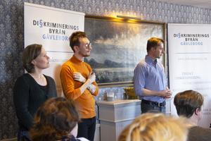 I april höll föreningen bakom Järvsö Pride en informationskväll för bygden. Där bland annat Johan Alexander Lindman, till höger i  bild, var med och informerade.