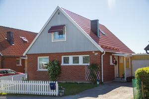 Norrskensvägen 19 är en av fastigheterna som finns med i veckans bostadsaffärer. Bostaden gick för 1,2 miljoner kronor.