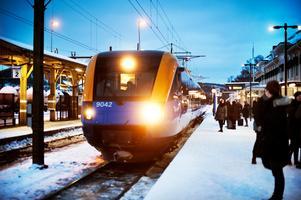 Tågtrafik skulle förbättra tillgängligheten men även kosta betydligt mer än dagens busstrafik på sträckan Östersund-Mora, enligt Trafikverket som utrett frågan. Foto: Anton Enerlöv