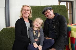 Helena Insulander och Jonas Fuchs, från Vendel, tog med sig dottern Vilja Fuchs, 5 år, och begav sig till Kulturhuset Möbeln under lördagen.