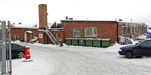 SGS DNA på Järnvägsgatan i Köping. Lokalerna räcker inte till och företaget ska flytta verksamheten till Västerås.