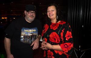 """Thomas och Camilla Eriksson hade rest från Söderhamn för att se favoritbandet spela. """"Jag föddes 1967 – samma år som bandet bildades – och har lyssnat på dem sedan jag var en pjuklarv"""", säger Thomas."""