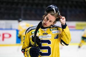 Fredric Weigel fick matchstraff när Almtuna förnedrade SSK. Foto: Kenta Jönsson/Bildbyrån