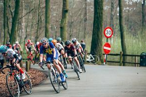 Emilia Fahlin slutade på 23:e plats i Flandern runt, hennes bästa resultat i sjätte försöket i den tuffa tävlingen. Foto: Thomas Maheux