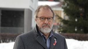 Per-Arne Frisk menar att politiker glider undan när de säger att det inte går att förbjuda fattigdom och därmed går det inte att stoppa tiggeriet.