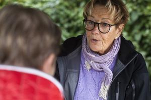 Anita Östlund lockade många besökare till sitt bord, och frågorna om svamparna var många.