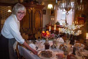 """""""Många kommer hit för stämningen och för att det är inledningen på julen, säger Ann-Katrin Ekebergh."""