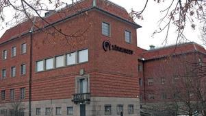 I tider av minskade resurser har museerna prioriterat den publika verksamheten men detta har skett på bekostnad av kunskapsuppbyggnaden och samlingsförvaltningen., skriver styrelsen för Länsmuseet Gävleborg.