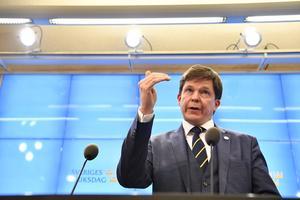 Talman Andreas Norlén vid en presskonferens i riksdagshuset efter att han träffat samtliga partiledare på måndagen.