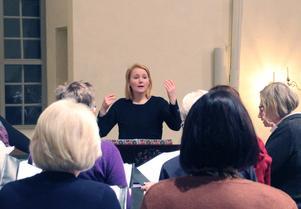 Hanna jobbar till vardags som kyrkomusiker i Askersunds- och Hammars församling. Qvinnskören har hon haft vid sidan av jobbet sedan februari 2018. Foto: Privat