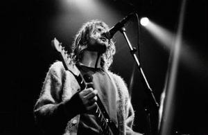 Nirvanas sångare Kurt Cobain sköt sig själv 1994.