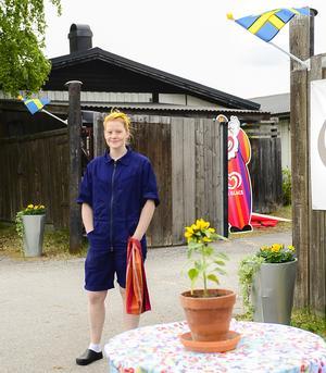Hanna Andersson bakar matbröd och goda bakelser. Innanför portarna finns numer även ett bageri och ett kafé. Bröderna Bommens Bryggeri utökar sin verksamhet och i höst byggs ett nytt restaurangkök.