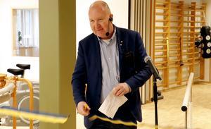 - Det här är en imponerande byggnad med lokaler som ger den här verksamheten mer ändamålsenliga lokaler, sa Mathz Eriksson (C), socialnämndens ordförande i Lindesbergs kommun. Han klippte invigningsbandet.