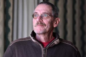 Lars Sjödin lider av sviterna efter ett liv i anläggningsbranschen.