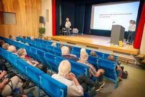 Ett drygt 70-tal personer hade kommit till informationsmötet i Kälarne.