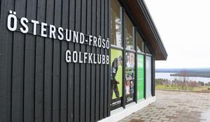 Östersund Frösö golfklubb anses ha en av Sveriges förnämsta lägen med Storsjön och fjällvärlden som fond