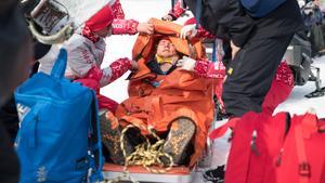Måns Hedberg stoppas av en hjärnskakning efter lördagens krasch. Bild: Jon Olav Nesvold/Bildbyrån.