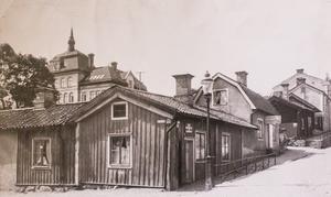 Hörnet av Stora gatan och Hållgatan.