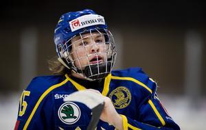 Rickard Hugg gjorde två mål för juniorkronorna. Foto: Nils Jakobsson (Bildbyrån).