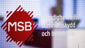 MSB tipsar om hur man säkrast avfyrar fyrverkerier för att minska olycksrisken. Foto: Johan Eklund/MSB Stockholm.