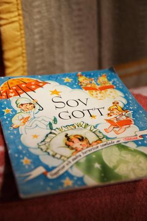 En sångbok följde med Tidsstrands lilla prinsessfilt som producerades på 40-talet.