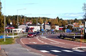 Ombyggnationen av E4 i Älandsbro skjuts ett år framåt, från år 2017 till 2018. Orsaken är att Trafikverket måste spara pengar.