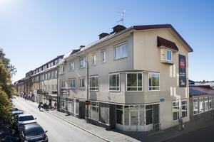 En förändring av Östersunds centrum sker då tidigare butikslokaler blir kontor för revisions- och konsultbyrån Ernst & Young. Foto: Diös.