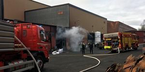 Byggnaden blev rökfylld och utrymdes snabbt.