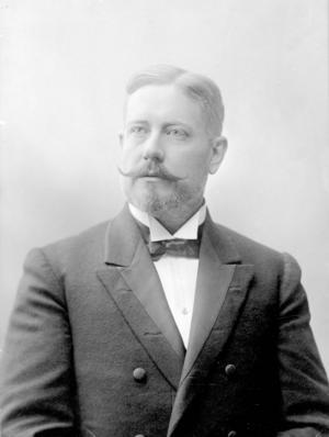 Erik August Enhörning, disponent och konsul, vid Kubikenborgs sågverk. Bilden är tagen år 1900. Foto: SCA(publ)/www.bildhotellet.se Bildnummer: 6583_01