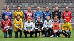 Den klassiska tränarbilden inför starten av elitserien 2014. Göran Rosendahl (femma från vänster i nedre raden) lämnade sitt uppdrag som Hammarbytränare redan efter ett halvår. FOTO: Anders Wiklund/TT