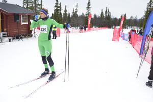 Göran Erlandsson från Rättvik sträckte låret men tog sig annars helskinnad i mål.