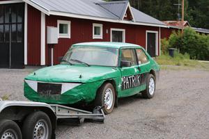 Patriks bil som han byggt själv. En Saab 9-5.