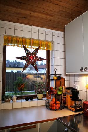 Juliga detaljer i köket.