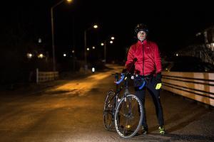 Magnus berättar att han cyklar mellan 800 till 1000 mil om året. Hälften av de milen är jobbpendling till Borlänge.