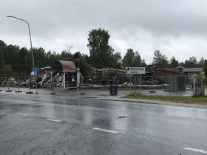 Hanna Edlund skriver om tomrummet i Björna efter att ortens Coop-butik brann ned för några veckor sedan.