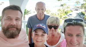 Håkan Olsson, Cecilia Nyström, Max Sandberg, Agneta Nyström Larsson och Nils Larsson på Cypern. Bild: privat