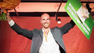 Johan Nybergs bolag tog emot prissumman på 50 000 kronor på den regionala finalen av tävlingen för entreprenörer.  Venture Cup. Foto: Viktor Holm