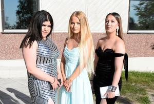 Alvira Aljusi, Emma Edäng och Valentina Asanovic från Thorens business school.