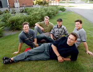 Från vänster: Leif Rohlin, Nicklas Lidström, Tommy Salo, Patrik Juhlin, Peter Popovic (liggandes). Bilden togs i augusti 1996.