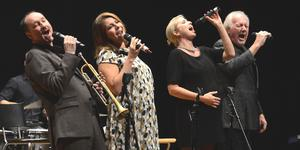 Peter Asplund, Vivian Buczek, Viktoria Tolstoy och Svante Thuresson i Jazz Vocal Unit. Foto: Gunnar Holmberg