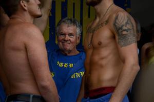 Tommy Antman, legendarisk boxningstränare från Gävle, lade egentligen av för fyra år sedan. Men när Erik Skoglund flyttade hem från Berlin tog Antman upp coachkarriären på nytt.