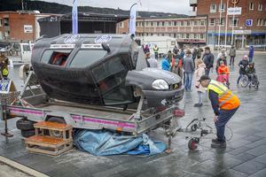 Trafiknykterhetens dag anordnades på Stortorget i Östersund där besökarna bland annat kunde prova på hur det känns att volta med en bil.