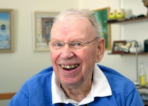 – Den här servicen är toppen. Jag vill ju inte vara ute på vägarna i onödan nu när jag pensionerats och vägarna är sämre än tidigare, säger 80-åringen och tidigare vägmästaren Finn Stig Eriksson med ett skratt.