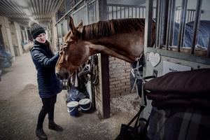 Emelie Aldenfalk med hästen Winton.