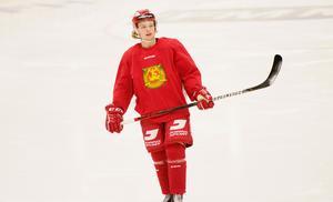 Isak Pantzare valde ett ta ett kort ispass på torsdagen, när Mora hade frivillig träning.