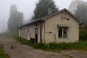 Förrådsbyggnad Trafikverket vill riva i Bispgården. Foto: Trafikverket