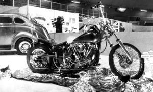 Björn Eriksson ställde ut en Harley Davidson från 1956 på mässan 1985.
