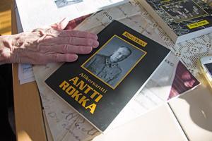 Den dokumentära boken om Antti Rokka är skriven av den finske historieforskaren Risto Husa.