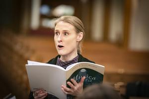 Ingeborg Söderwall är solist i konserten med Lyran och Köpings kyrkas kammarkör. Foto: Lennye Osbeck